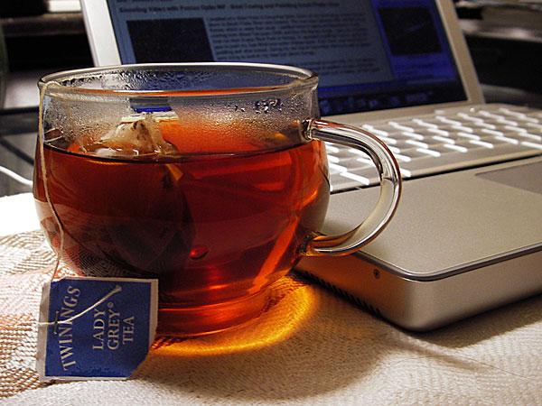 افتتناح كافيه منتدى جزائرنا ....بشكل tea-cup_1a.jpg